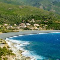 Plage de sable noir (Corse)